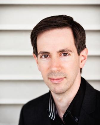 Aaron Goldman Headshot
